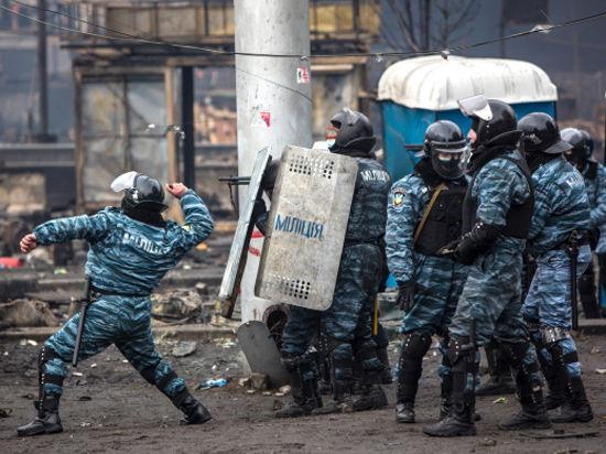 Зачем «Беркут» стягивается в Крым?