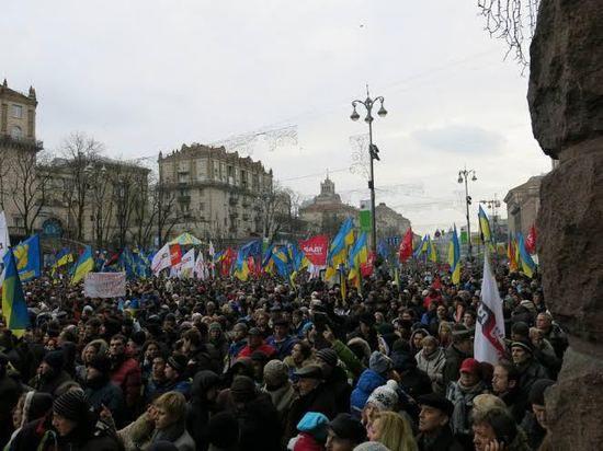 Украине нужна не только помощь, которой пока нет