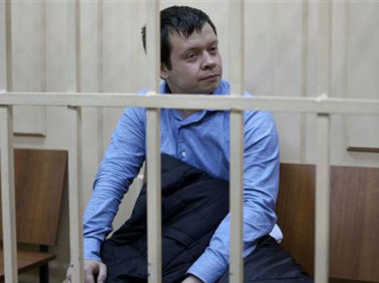 Выходя на волю, организатор беспорядков на Болотной Константин Лебедев пообещал не жить за счёт иностранных правительств