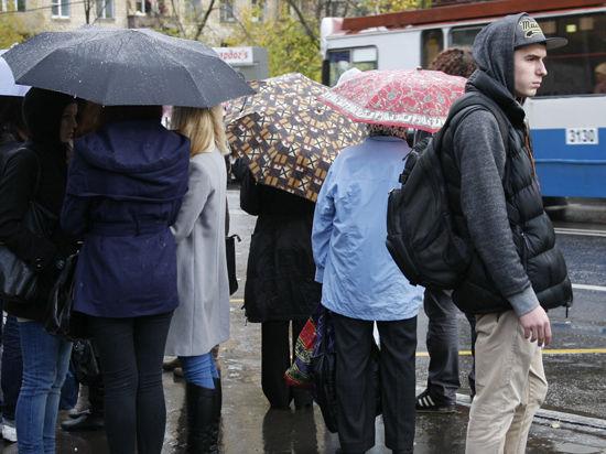 Москву зальет теплыми дождями