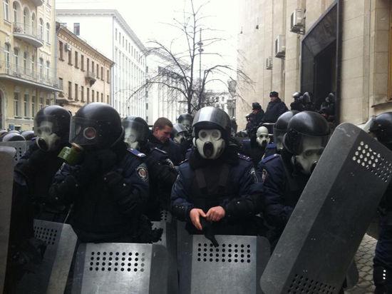 Приднестровье окружают молдавские военные и украинские танки