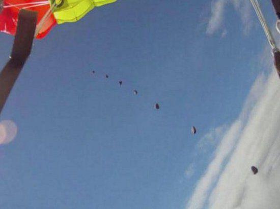 Норвежского скайдайвера прямо в небе чуть не убил метеорит