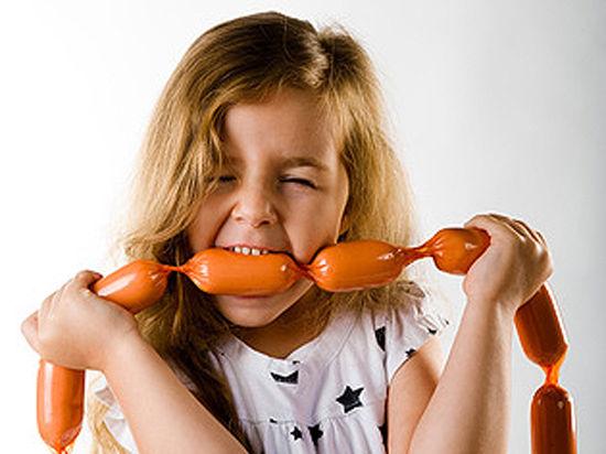 Детская колбаса будет полезнее взрослой