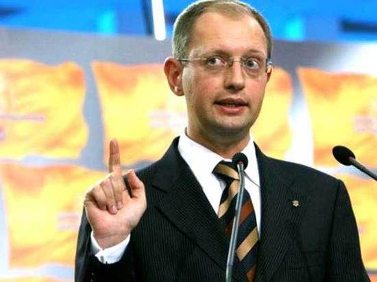 Яценюк: Попытка захвата восточной Украины Россией вызовет военный ответ