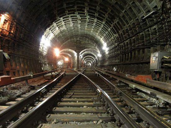 Строителей, забивших сваю в тоннель метро, проверит прокуратура