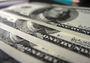 Доллар удивительно подешевел на торгах во вторник