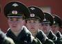 Правительство не хочет сохранять рабочие места солдат-срочников