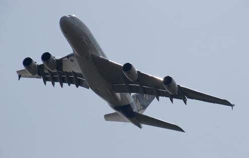 Авиасалон МАКС-2011 показал высший пилотаж