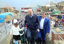 Рамазан Абдулатипов в День знаний принял участие в торжественной линейке в селе Куруш