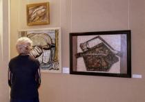 О старинной культуре Русского Севера через обычные материальные предметы на холстах пытаются поговорить с современниками организаторы выставки