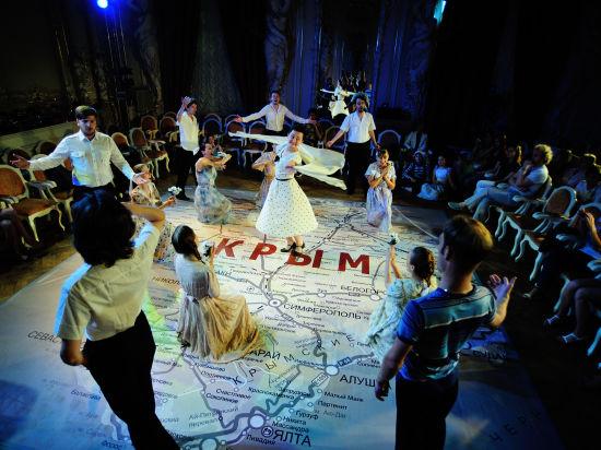 Опера-митинг «Крым» стала одой Путину