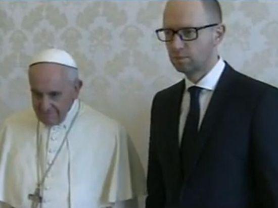 Яценюк экстренно прервал визит в Ватикан из-за ситуации на Украине