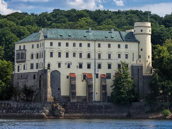 ОНФ просит Путина защитить богатых домовладельцев от налога на роскошь
