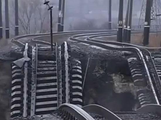 Накануне переговоров о мире: в Мариуполе совершен теракт - взорван мост и убит охранник