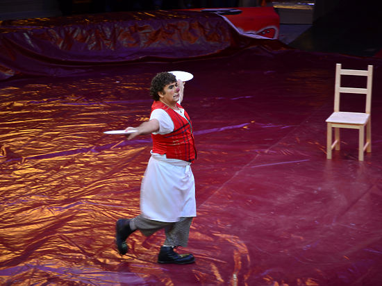 Цирк научит родину любить
