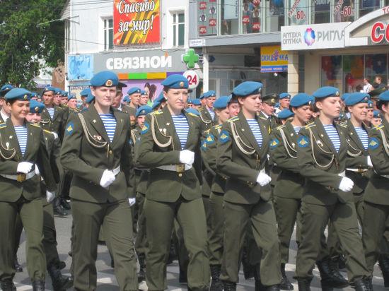 В России отменили мораторий на набор девушек в десант