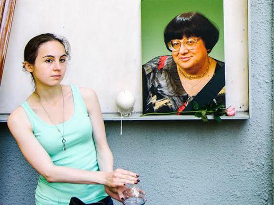 На прощании с Валерией Новодворской полиция следила за венками в жовто-блакитных тонах