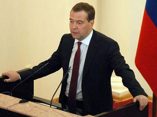 Медведев подписал постановление о скидке в $100 на газ для Украины