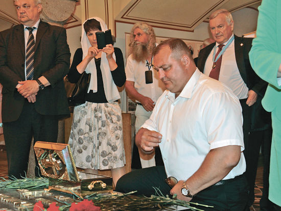 Крейсеру «Москва» подарили ковчег
