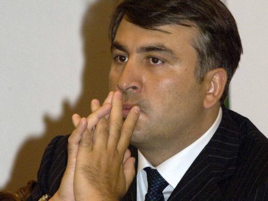 Саакашвили решил сменить статус туриста и просит у США рабочую визу
