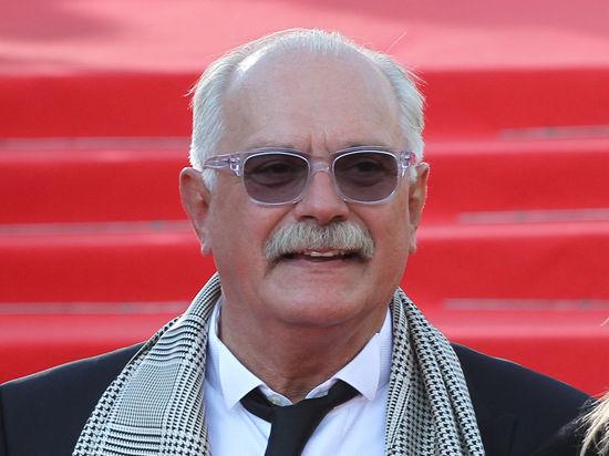 Бриллианты для диктатуры кинематографа: Михалков отсудил у СМИ 400 тысяч