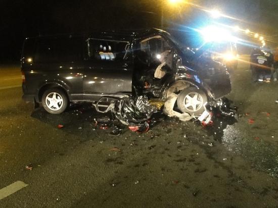 ДТП в Подмосковье: байкер убил себя, попутчицу и пассажира минивэна