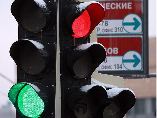 Причиной ДТП с четырьмя погибшими на юге Москвы могут быть неправильно расставленные светофоры