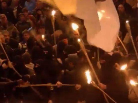Активисты Майдана избивали друг друга горящими факелами