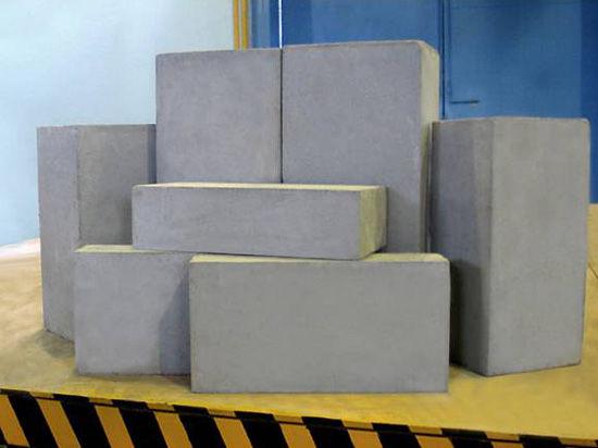 Современные строительные материалы против кирпича.