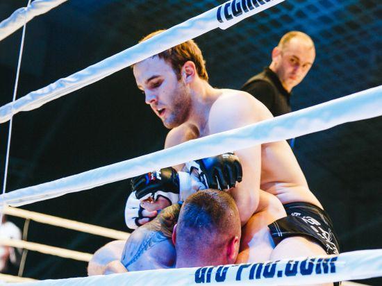 Денис Гольцов против Бретта Роджерса: