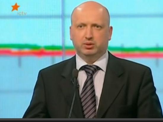 Турчинов: по 10 раз в месяц разведка обещала нападение России в 4 утра
