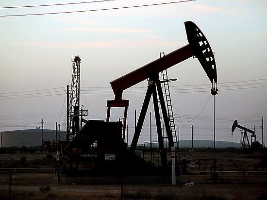 Нефть падают в ожидании данных из сша