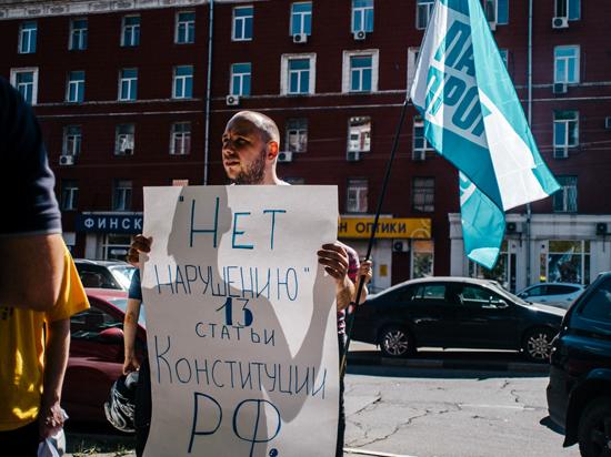 К Навальному пришли с обыском из-за компьютерных вирусов