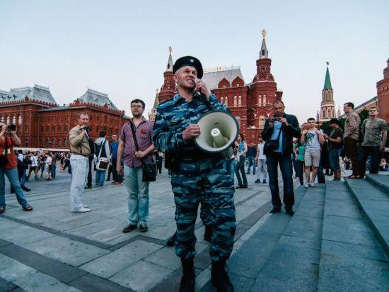 Самая загадочная акция оппозиции потрясла Манежную площадь