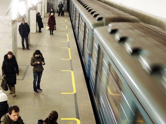 В московском метро появятся поезда со сквозным проходом