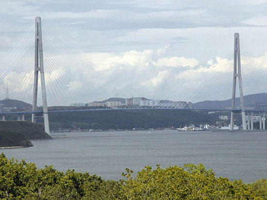 Аудиторы: цена моста к саммиту АТЭС-2012 была завышена на 889 млн рублей