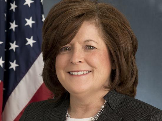Джулия Пирсон, глава охраны Обамы уволилась после того, как его дважды могли убить