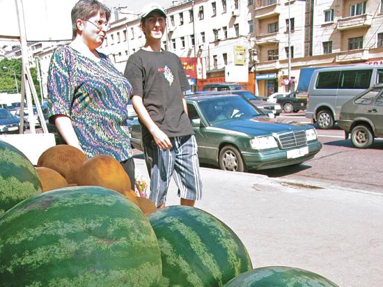 В Москве заработала служба доставки арбузов на дом