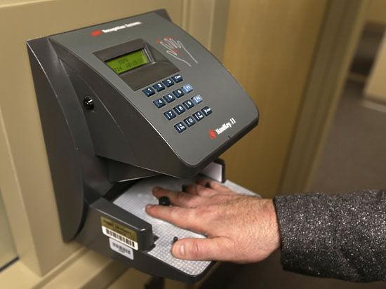 Тотальный контроль: россиян хотят подвергнуть поголовной биометрии