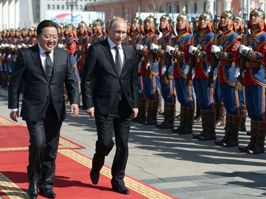 Путин дал «добро» на ввоз в Россию монгольского мяса и почтил память маршала Жукова