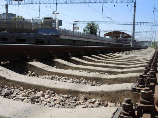 Пассажиры электрички Москва-Петушки допили пиво выпавшего на ходу из тамбура мужчины