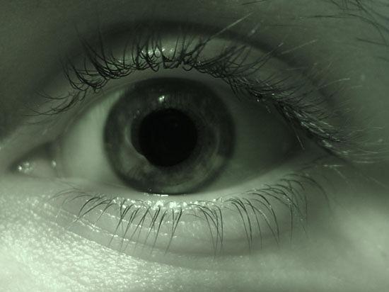 После массовой операции на глаза в Индии ослепли 60 человек, зрение им уже не вернуть
