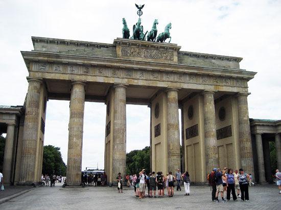 Немецкие СМИ: в Германии снижаются цены на продукты из-за российского эмбарго