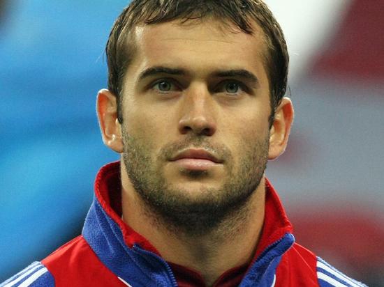 Футболист Кержаков хочет запретить бывшей жене общаться с сыном