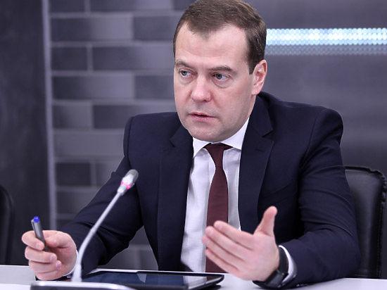 Медведев пообещал «отложенный эффект» от замещения импорта