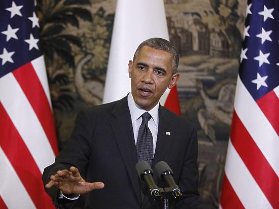 Барак Обама заявил, что подписал закон о санкциях против РФ, но вводить их пока не собирается