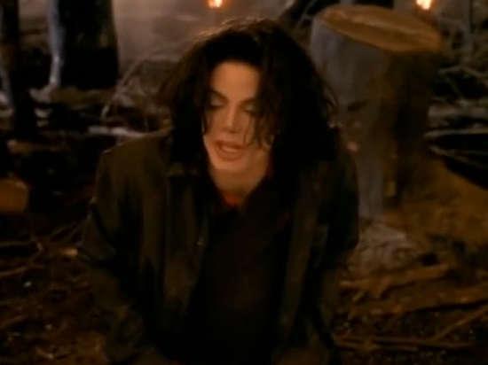 Не оставят в покое: Майкла Джексона вновь обвинили в растлении несовершеннолетнего