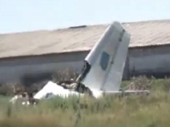 Ан-26 сбит на Донбассе: Очевидцы видели, как в самолет врезалась ракета