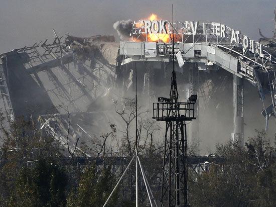 Ополченцы штурмовали донецкий аэропорт, обстреляли Мариуполь и окружили 112 силовиков у Бахмутовки
