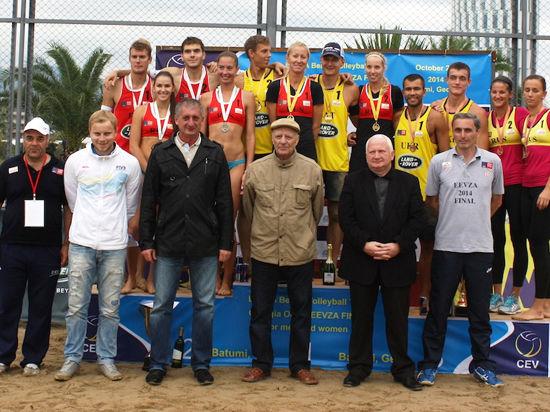 Наши волейболистки — первые на пляже, а в Казани и без Фелпса будет супер!